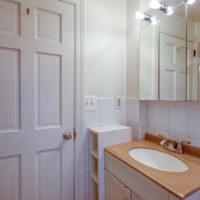69 Huntington Bathroom